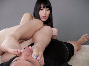 Japanise mistress foot worship